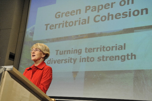 Conference by Danuta Hübner, Member of the EC, on the adoption of the Green Paper on territorial cohesion by the EC