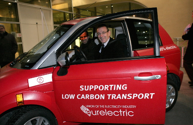 Test by Andris Piebalgs, Member of the EC, of an electric car