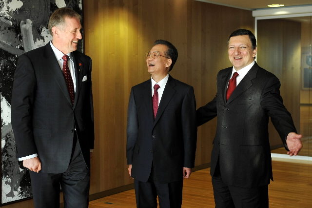 Meeting between José Manuel Barroso, President of the EC, Mirek Topolánek, Czech Prime Minister and President in office of the Council of the EU, and Wen Jiabao, Chinese Prime Minister