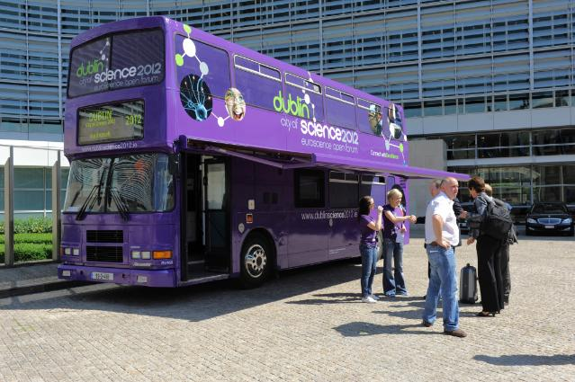 Visit of the Science Communications Bus to promote Dublin City of Science 2012