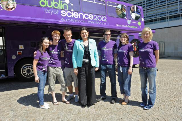 Visite du bus d'information sur la science pour promouvoir  Dublin Cité des Sciences 2012