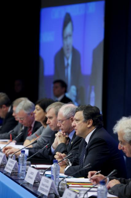 Participation of José Manuel Barroso, President of the EC, at the Tripartite Social Summit