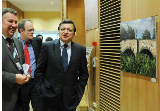 Participation of José Manuel Barroso, President of the EC, at the opening of the TRIO exhibition Bridges