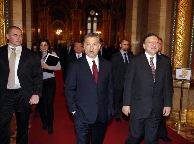 Réunion inaugurale de la présidence hongroise du Conseil de l'UE avec la CE