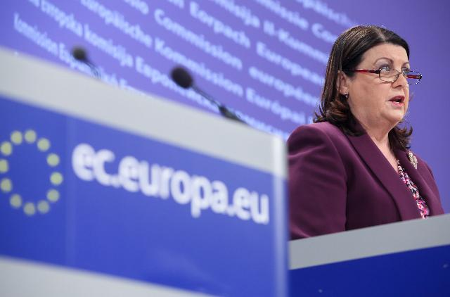 Press conference by Máire Geoghegan-Quinn, Member of the EC, on simplified research funding (FP7 simplification)