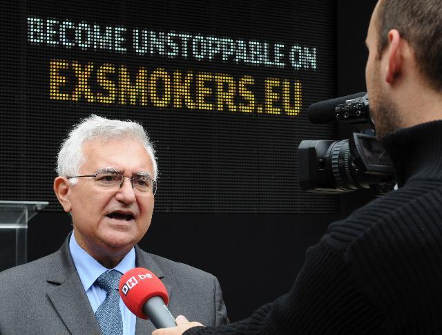 Lancement par John Dalli, membre de la CE, de la campagne antitabac paneuropéenne Les ex-fumeurs, rien ne les arrête