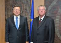 José Manuel Barroso, on the left, and David Walzer, Head of the Mission of Israel to the EU