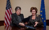 Signature d'une déclaration conjointe UE/États-Unis pour rendre l'internet plus sûr pour les enfants