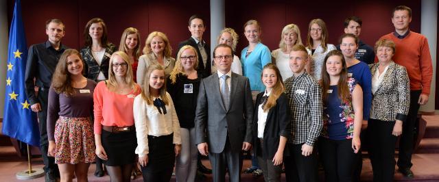 Visite de la Team Europe Junior de Lituanie, lauréats du concours sur l'Europe, à la CE