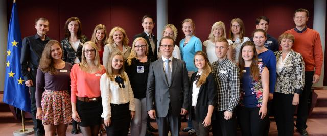 Visit of the Team Europe Junior of Lithuania, winners of the European Citizens' Exam, to the EC