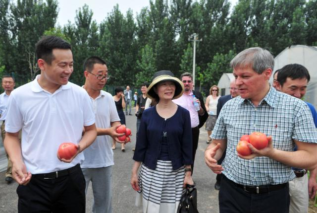 Visit of Dacian Cioloş, Member of the EC, to China