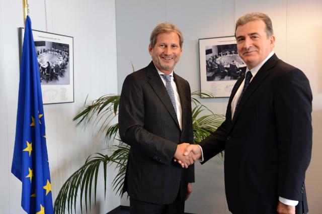 Le Commissaire Hahn mentionne «des progrès importants sur les autoroutes grecques» à l'issue de sa réunion avec Michalis Chrysochoidis, le ministre grec des infrastructures, des transports et des réseaux