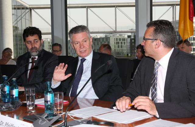 Visit by Karel De Gucht, Member of the EC, to Germany