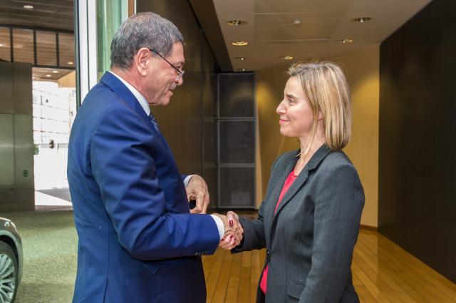 Visite d'Habib Essid, chef du gouvernement tunisien, à la CE