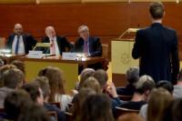 Participation de Jean-Claude Juncker, président de la CE, à la rencontre 'Bâtisseurs d'Europe'