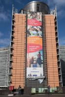 The banner 'European Pillar of Social Rights' on the Berlaymont building ahead of the Gothenburg summit