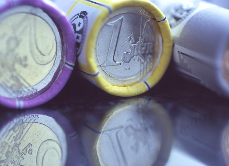 The euro (II): Symbolic - 2001