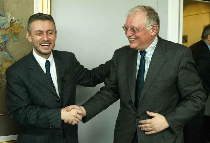 Visite de Solomon Passy, ministre bulgare des Affaires étrangères, à la CE