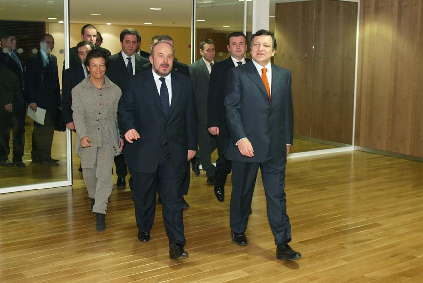 Visite de Fatos Nano, Premier ministre albanais, à la CE