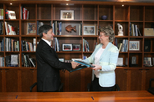 Signature of the Terms of Reference for the EU/Russia dialogue on the Information Society