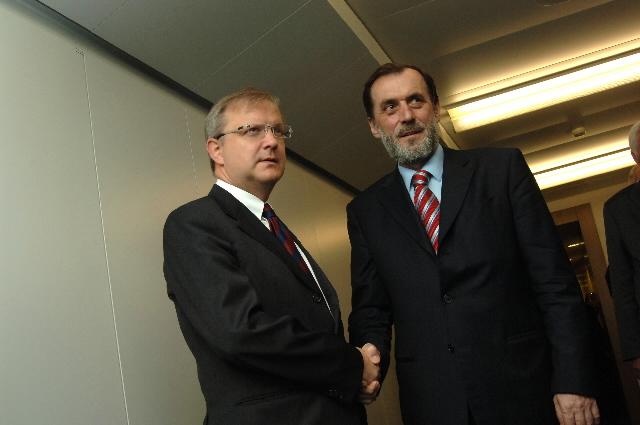 Visite de Vuk Draskovic, ministre des Affaires étrangères de Serbie-et-Monténégro, à la CE