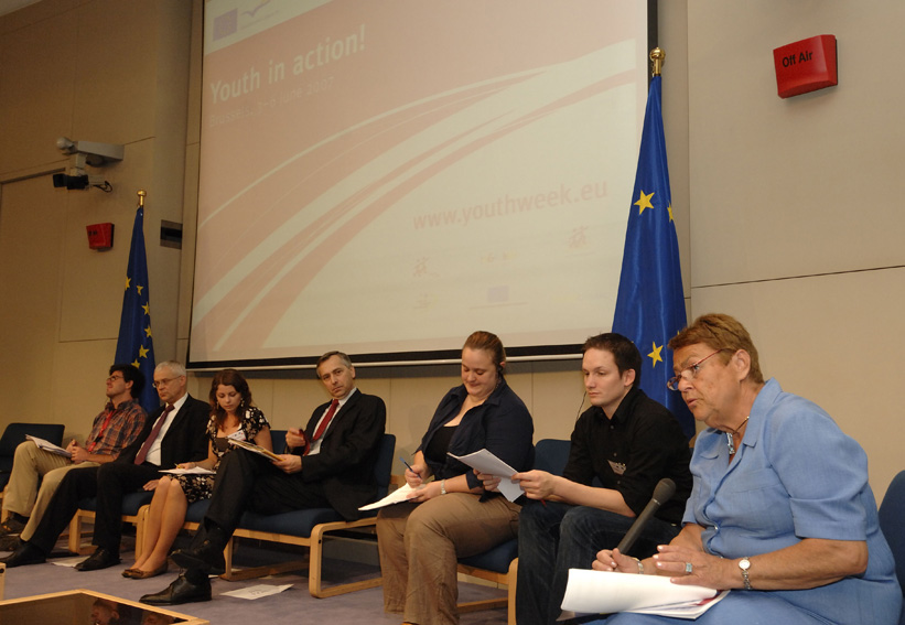 Participation of Ján Figel and Vladimir Špidla, Members of the EC, at the European Youth Week debate