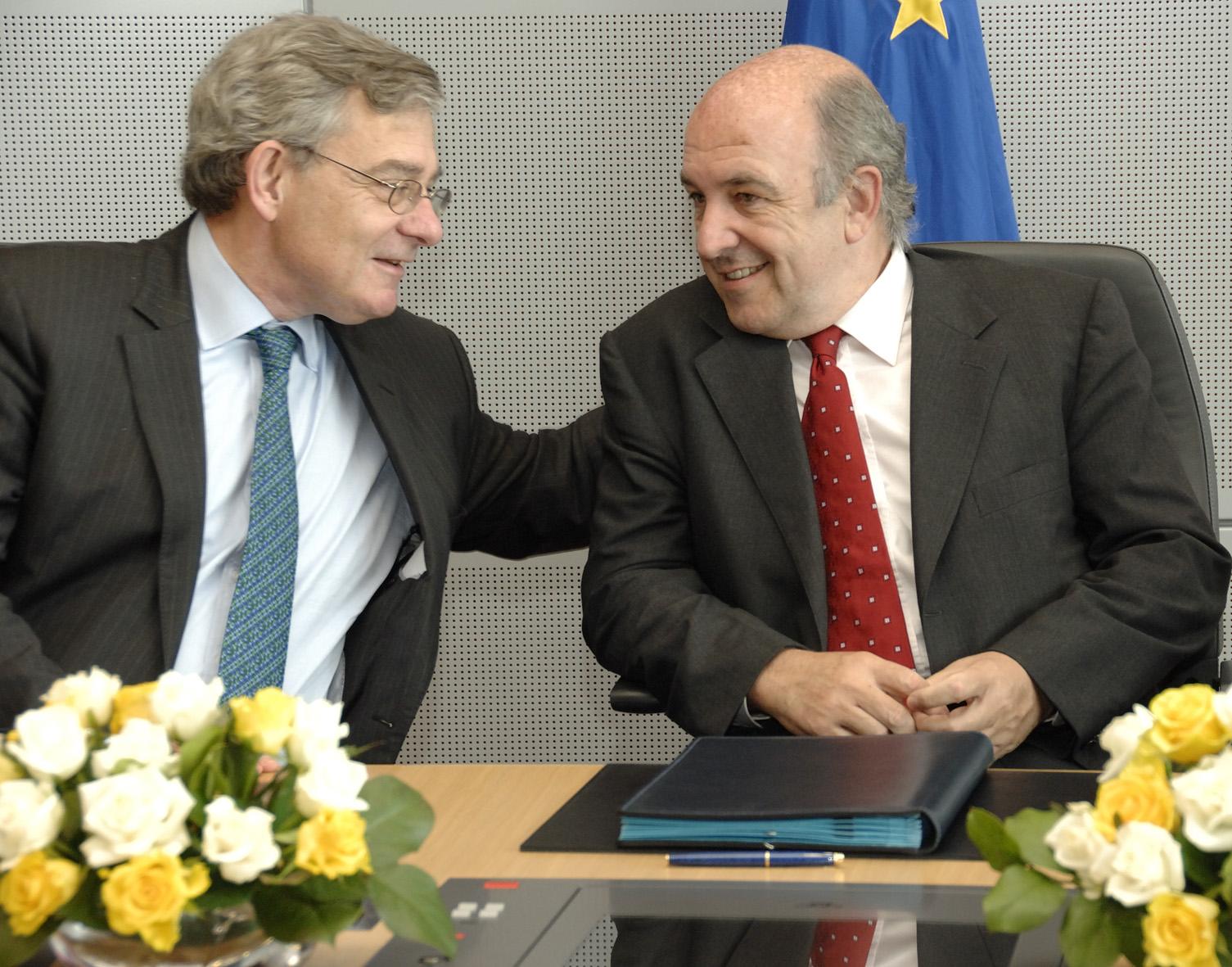 Signature d'un protocol d'accord entre la Commmission européenne et la BERD