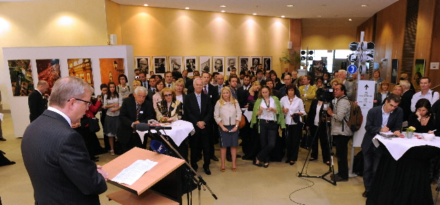 Speech by Olli Rehn, Member of the EC, at the opening of the photo exhibition on Zagreb