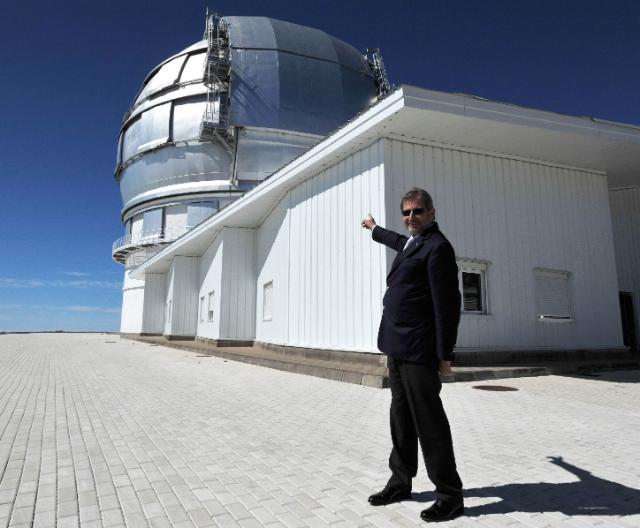 Visit of Johannes Hahn, Member of the EC, at the Instituto de Astrofísica de Canarias (IAC)