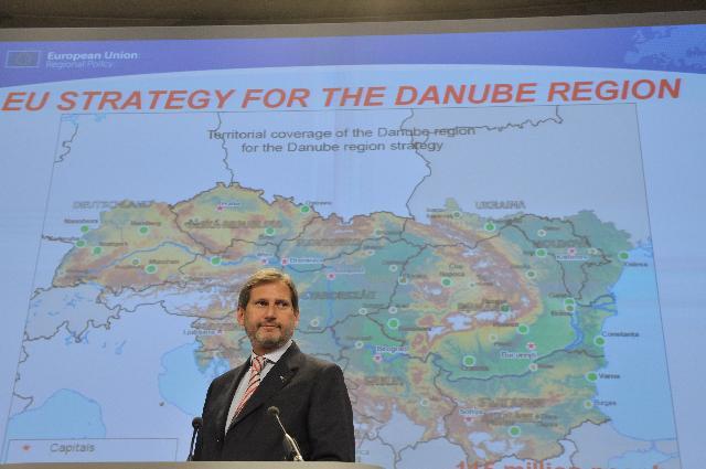 Conférence de presse de Johannes Hahn, membre de la CE, sur la stratégie pour le Danube