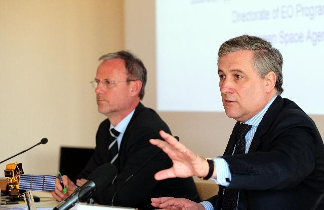 Visit of Antonio Tajani, Vice-President of the EC, at the Centre for Earth Observation of the European Space Agency, ESRIN in Frascati