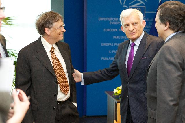 Meeting between Bill Gates, Co-Chair of the Bill & Melinda Gates Foundation, José Manuel Barroso, President of the EC, and Andris Piebalgs, Member of the EC