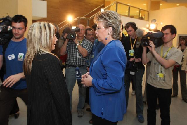 Conférence de presse de Viviane Reding, vice-présidente de la CE, sur l'adoption d'un ensemble de mesures visant à renforcer les droits des victimes en Europe