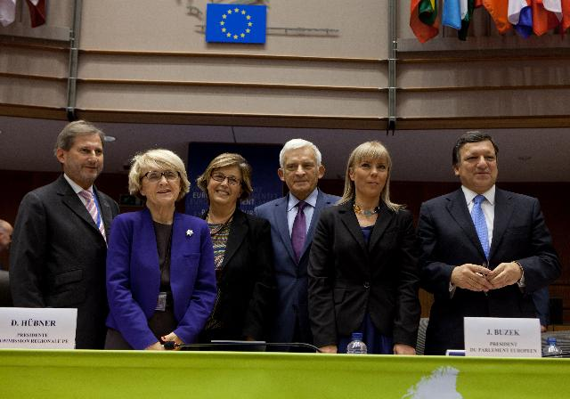 Participation of José Manuel Barroso, President of the EC, and Johannes Hahn, Member of the EC, in the opening of the Open Days 2011