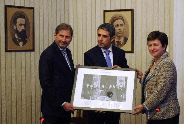 Participation of Johannes Hahn and Kristalina Georgieva, Members of the EC, at the inauguration ceremony of Rosen Plevneliev, President of Bulgaria, in Sofia