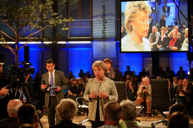 Citizens' Dialogue in Berlin with Viviane Reding