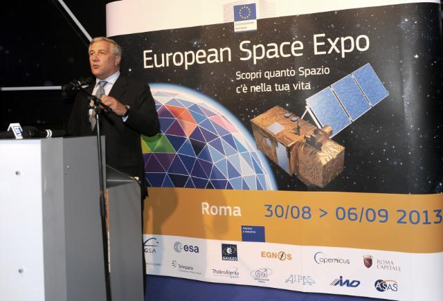 Vernissage de l'Expo européenne sur l'espace organisée à Rome, avec la participation d'Antonio Tajani, vice-président de la CE