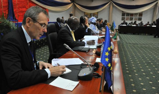 Visite d'Andris Piebalgs, membre de la CE, au Burkina
