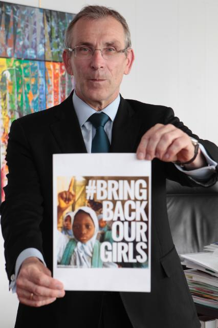 Andris Piebalgs, Member of the EC, giving his support to the #BringBackOurGirls action