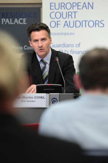 Press conference by Milan Martin Cvikl, Member of the European Court of Auditors, on the European banking supervision