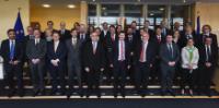 Photo de famille des sherpas des chefs d'État ou de gouvernement des 28 pays membres de l'UE, avec Martin Selmayr, chef de cabinet de Jean-Claude Juncker