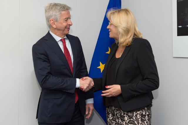 Visite de Ronald Plasterk, ministre néerlandais de l'Intérieur et des Relations au sein du Royaume, à la CE