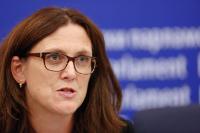 Conférence de presse commune de Cecilia Malmström, membre de la CE, Marietje Schaake et Bernd Lange, membres du PE, sur l'interdiction d'exportation européenne des 'biens de torture'