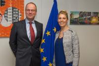 Visite de Krista Lagus, directrice exécutive du Parlement européen des Jeunes, à la CE