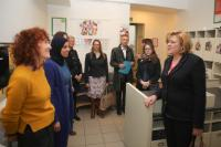 Visit to the nursery 'Elmer in de stad' by Corina Creţu, Member of the EC, on Women's Day