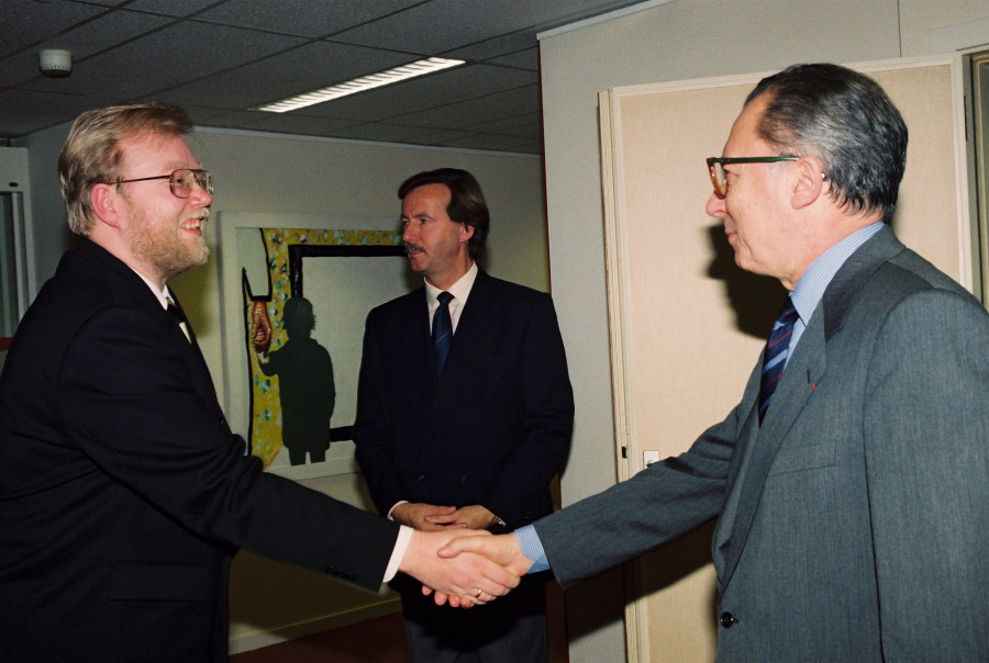 Visit of Mart Laar, Estonian Prime Minister, to the CEC