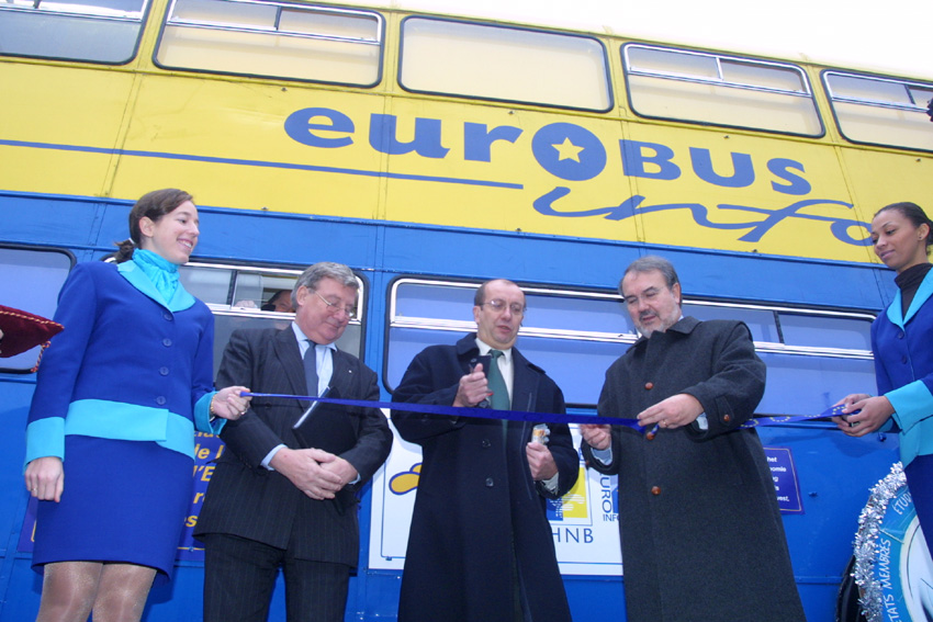 Eurobus, an information service on the single currency