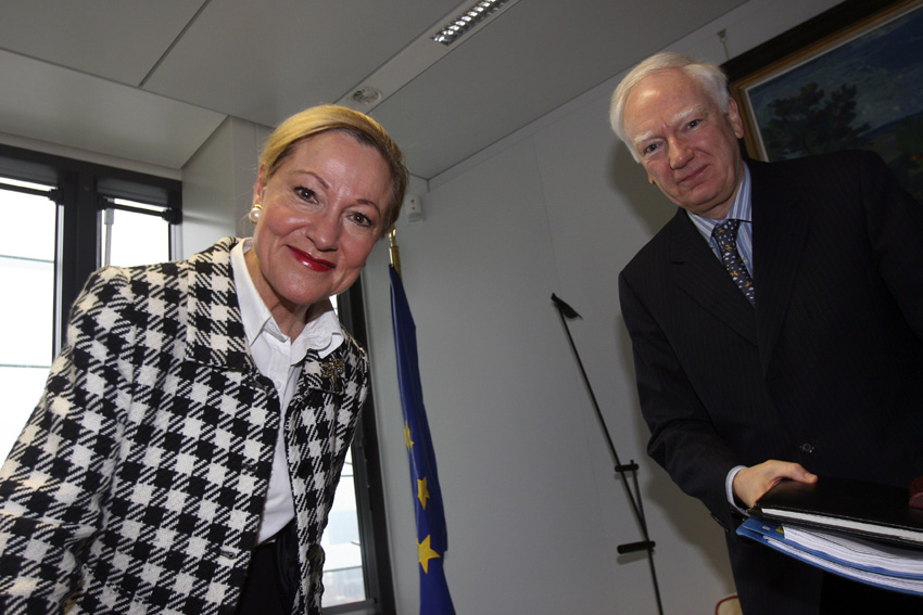 Visit by Philippe Maystadt, President of the European Investment Bank (EIB), to the EC