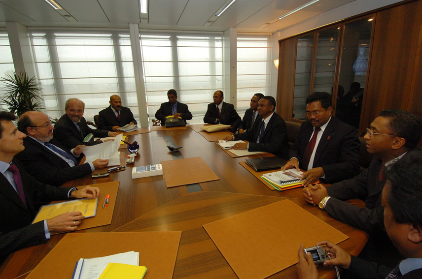 Visit by Andriamparany Radavidson, Malagasy Minister of Economy, Finance and Budget, to the EC