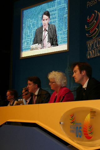 Peter Mandelson and Mariann Fischer Boel, Members of the EC, at the 6th Ministerial Conference of the WTO